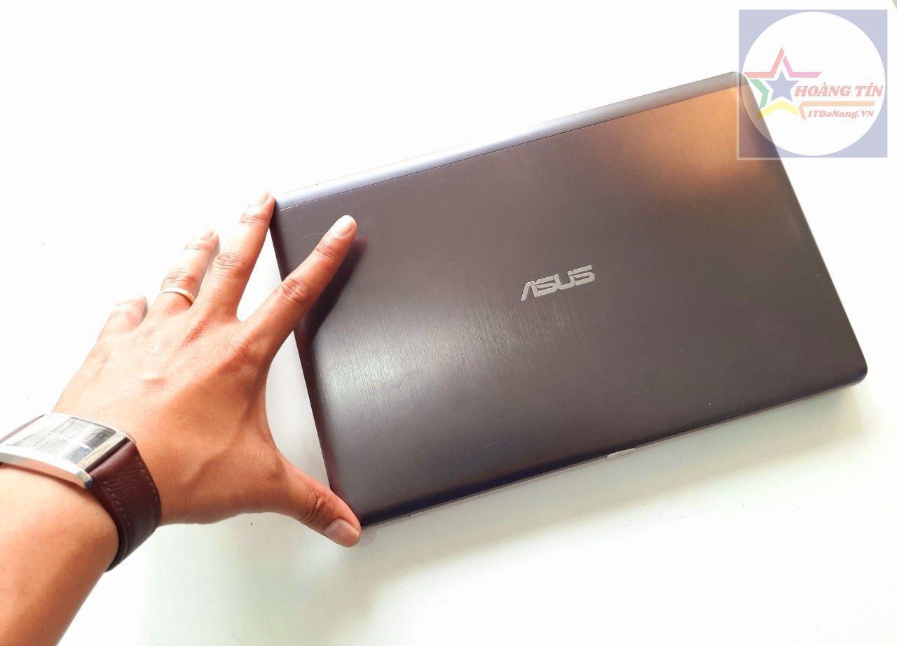 Laptop Asus X202E