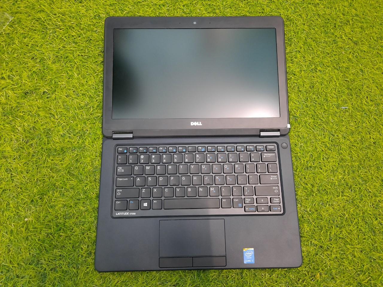 Laptop Dell E7250 Gập màn hình 180 độ
